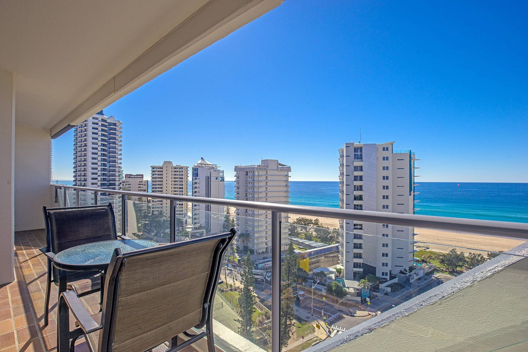 surfers paradise accommodation baronnet apartments. Black Bedroom Furniture Sets. Home Design Ideas